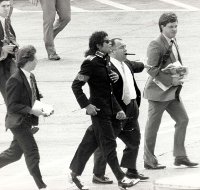MJ, Frank diLeo